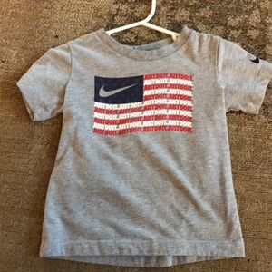 Nike 3T T-shirt. Excellent condition!
